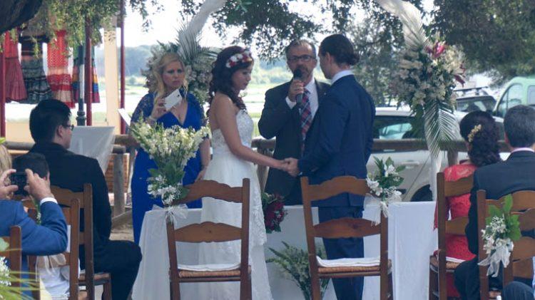 Ceremonia boda civil en el Rocio, Huelva, blessing ceremony, wedding minister English Spanish French German Swedish celebrant ceremonies civiles symbolique en français espagnol anglais F02