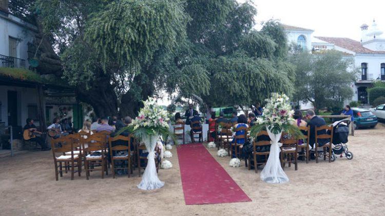 Ceremonia boda civil en el Rocio, Huelva, blessing ceremony, wedding minister English Spanish French German Swedish celebrant ceremonies civiles symbolique en français espagnol anglais F01