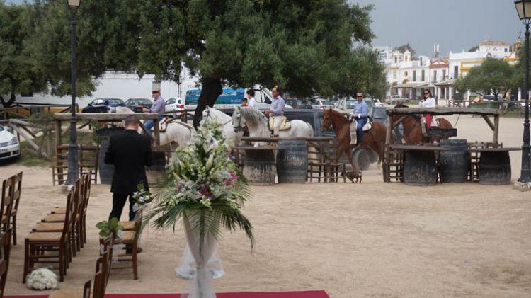 Ceremonia boda civil en el Rocio, Huelva, blessing ceremony, wedding minister English Spanish French German Swedish celebrant ceremonies civiles symbolique en français espagnol anglais F09
