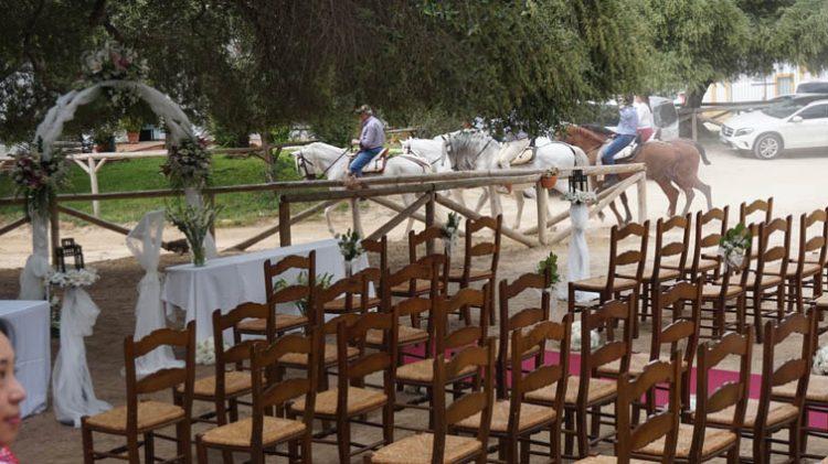 Ceremonia boda civil en el Rocio, Huelva, blessing ceremony, wedding minister English Spanish French German Swedish celebrant ceremonies civiles symbolique en français espagnol anglais F10