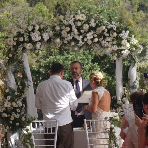 Wedding minister English Spanish French