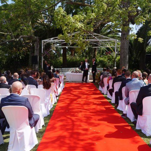 Ceremonia civil en jardín La Concepción Marbella. Español Sueco. Wedding ceremony in Marbella in Swedish and Spanish F06