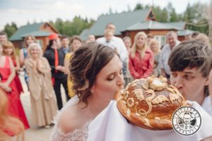 Rituales para bodas civiles: El ritual del pan