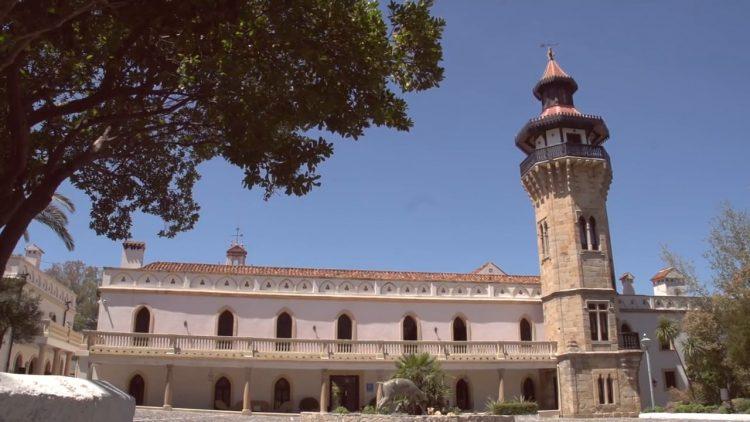 Exteriör fasad av Monasterio hotellet, i Almoraima välsignelse ceremoni engelska spanska franska