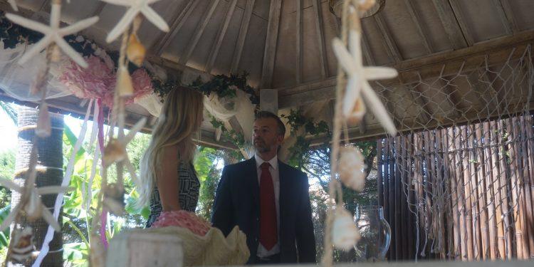 Гражданская свадьба на испанском и немецком языках в Захара-де-лос-Атунес, Тарифа, Кадис