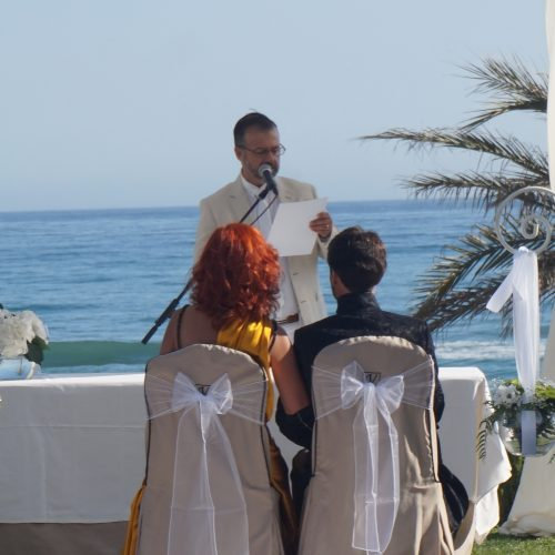Officiant de Cérémonie en fran'ais ' Marbella
