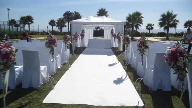 Montaje y decoración de altares de bodas civiles F0